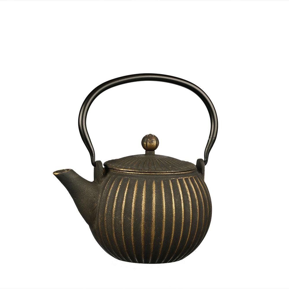 Asiatische Teekanne Dalian aus Gusseisen mit Edelstahlsieb