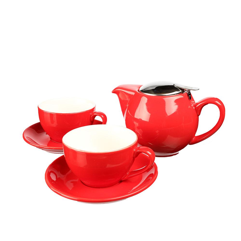 Schlichtes Tee-Set in Rot mit zeitloser Erscheinung